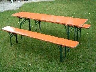 Tische und Bänke für Ihr Fest!